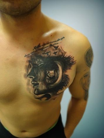 tatuaj-alb-negru