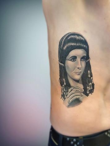 tatuaj-portret-alb-negru