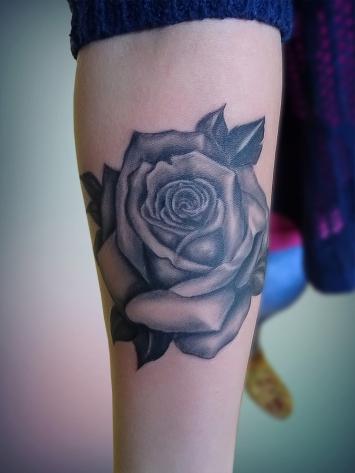tatuaje-trandafiri-fete