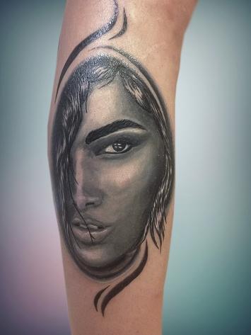 tatuaj-semi-portret